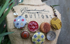 Button Necklace